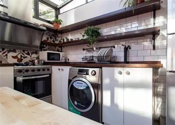 56平旧房改造厨房与餐厅效果图