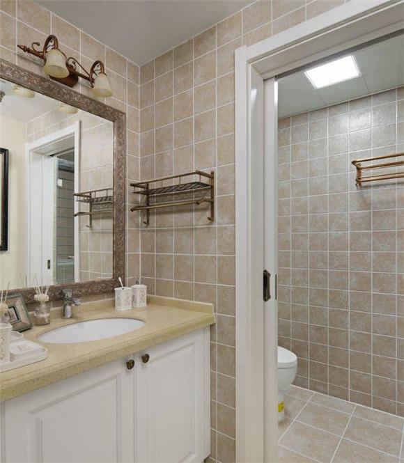 130平米三室两厅卫生间装修