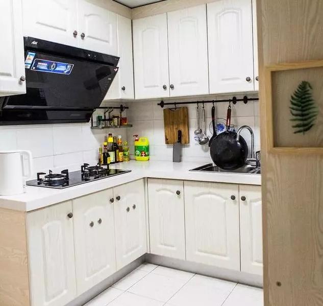 L型橱柜设计的小面积厨房