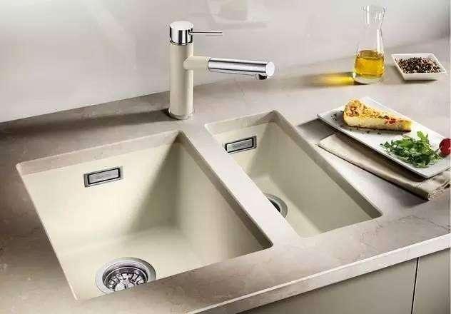 台下水槽安装方法