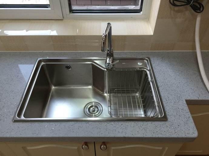 台下水槽安装