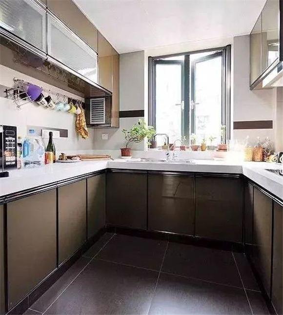 现代简约厨房效果图三