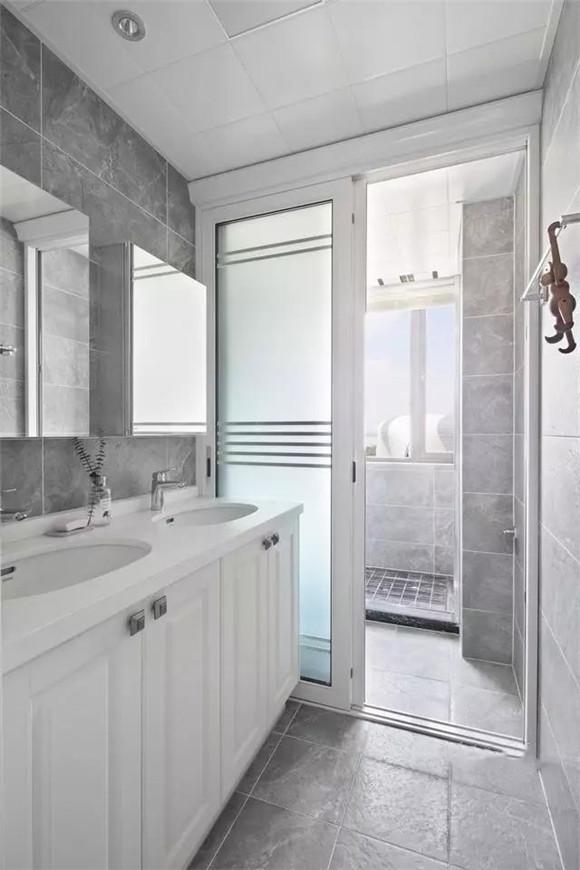 98平米三室两厅卫生间装修
