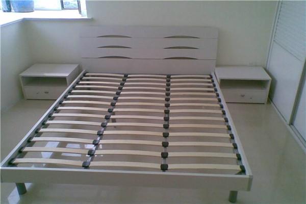 排骨架床选购看材质