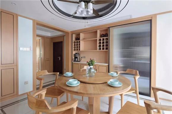 145平米新中式三居室餐厅装修