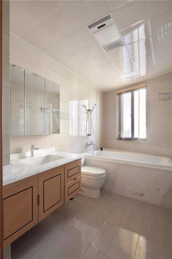 145平米新中式三居室卫生间装修