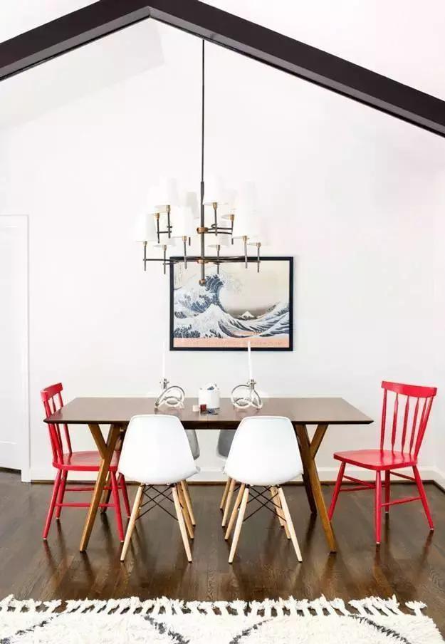 墙壁内饰和家具颜色的搭配