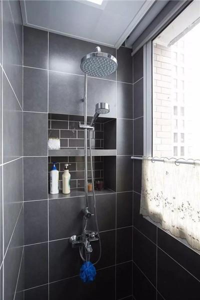 灰色淋浴室装修