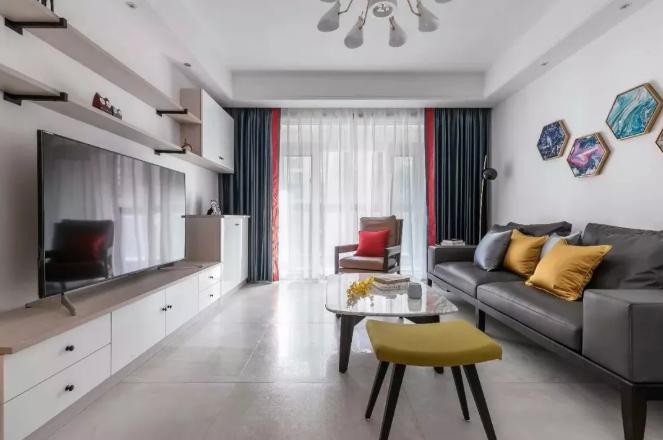 客厅空间以现代简约为主