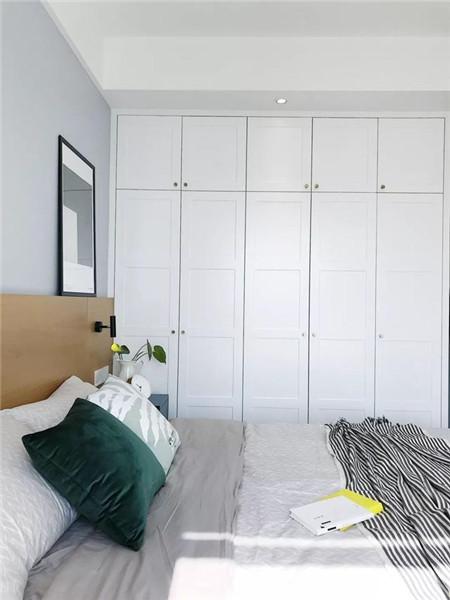 北欧风卧室衣柜设计