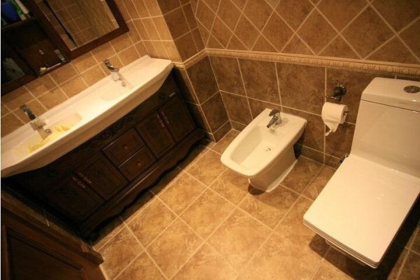 防水卫生间瓷砖