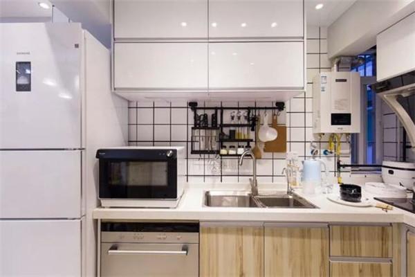 开放式厨房是装修亮点