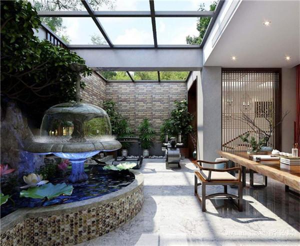 三、阳台花园装修注意事项 在阳台花园设计中首先要注意的就是排水问题了,植物和人一样,是需要水分的滋润的,如果缺少水分植物就会枯萎。因为我们住在楼上,排水就是一个问题,并不像在地上一样,浇过的水就直接渗透到地底去了。可以利用小管道将各个植物下方链接起来,或者是小暗道也可以,这样我们浇水之后多余的水分就可以流出来,并且排走。