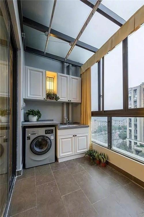 封阳台玻璃窗材质