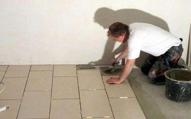 瓷砖铺贴前需要泡水