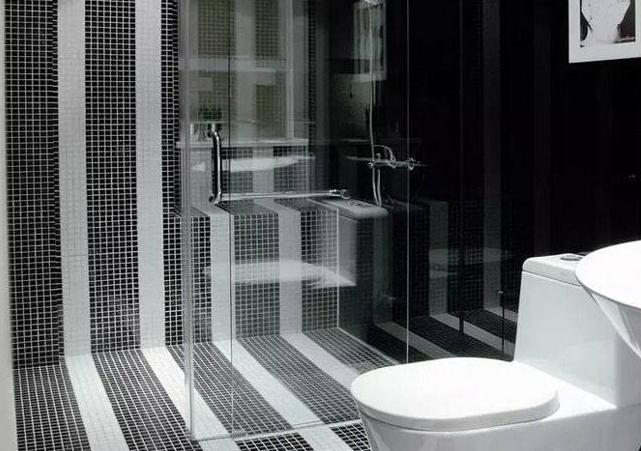后悔卫生间地砖选择了白色和黑色