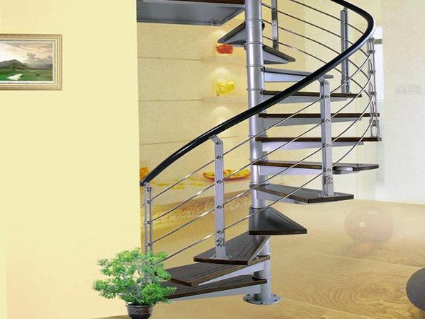 钢架楼梯特点