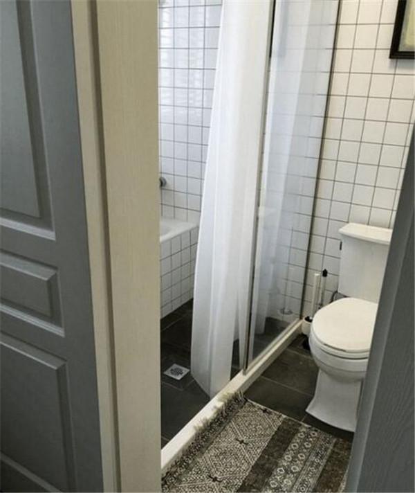 卫生间木门装修效果图