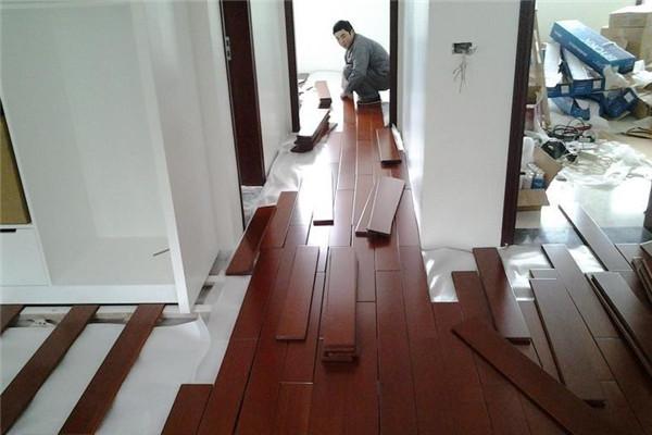 北方夏季装修注意事项之木地板