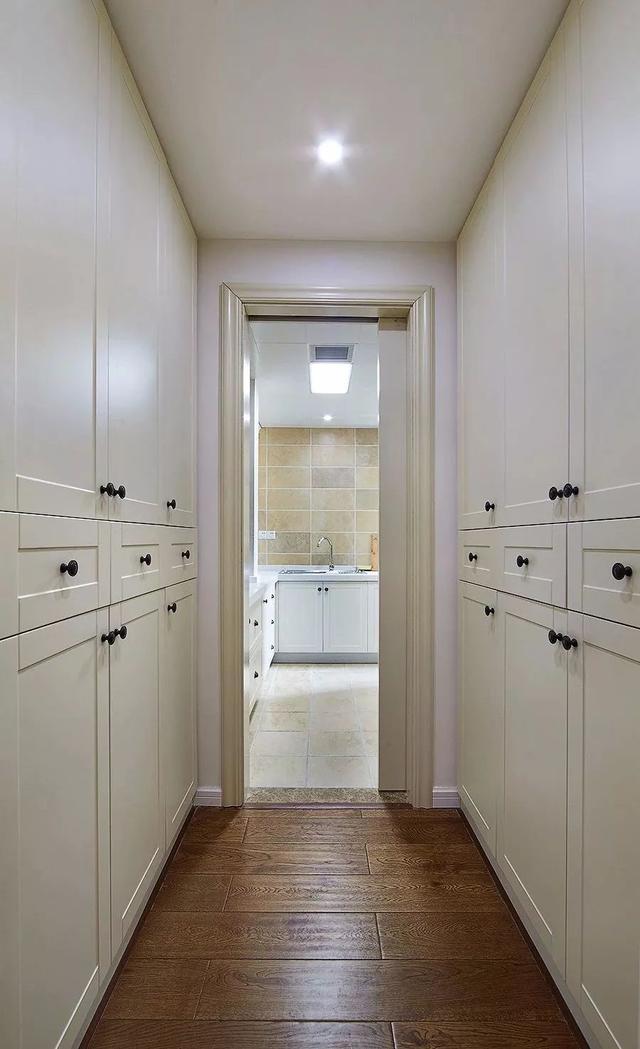 厨房的走廊