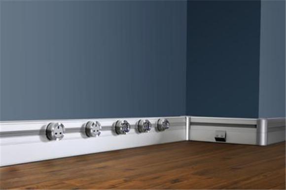 壁挂式轨道插座
