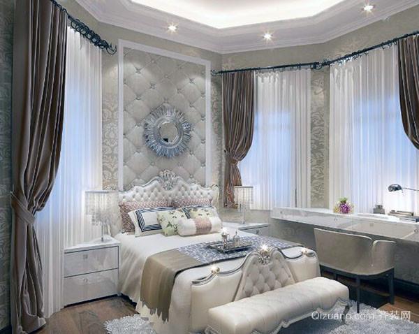 欧式卧室灯介绍 欧式卧室灯,是奢华、典雅的代表,设计来源于欧洲艺术,代表卓越的生活品位。欧式卧室灯具,华丽的装饰+精美的造型,达到欧洲宫廷效果。注重线条、造型上的雕饰,有的灯还会故意制造一种仿旧的效果,体现古典感。从材质上看,以树脂、纯铜为主,造型相对简单,但更显质感。