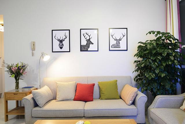 99㎡现代简约沙发背景墙装饰
