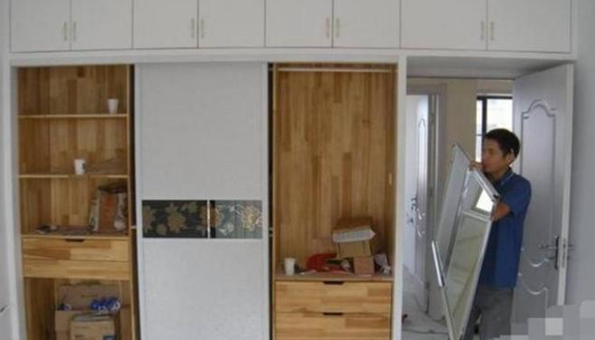 先装衣柜还是先装地板