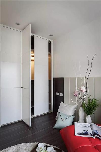 小面积卧室衣柜安装技巧