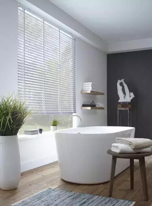 淋浴与浴缸一体设计