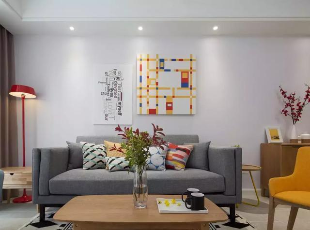 100平米的三居室装修铺地砖