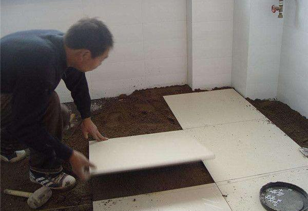 家庭装修常见偷工减料现象六:墙地砖铺贴