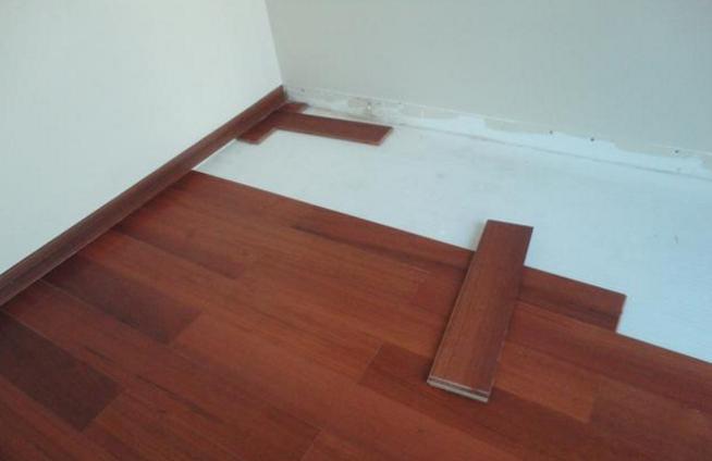 旧房子重新铺设地板
