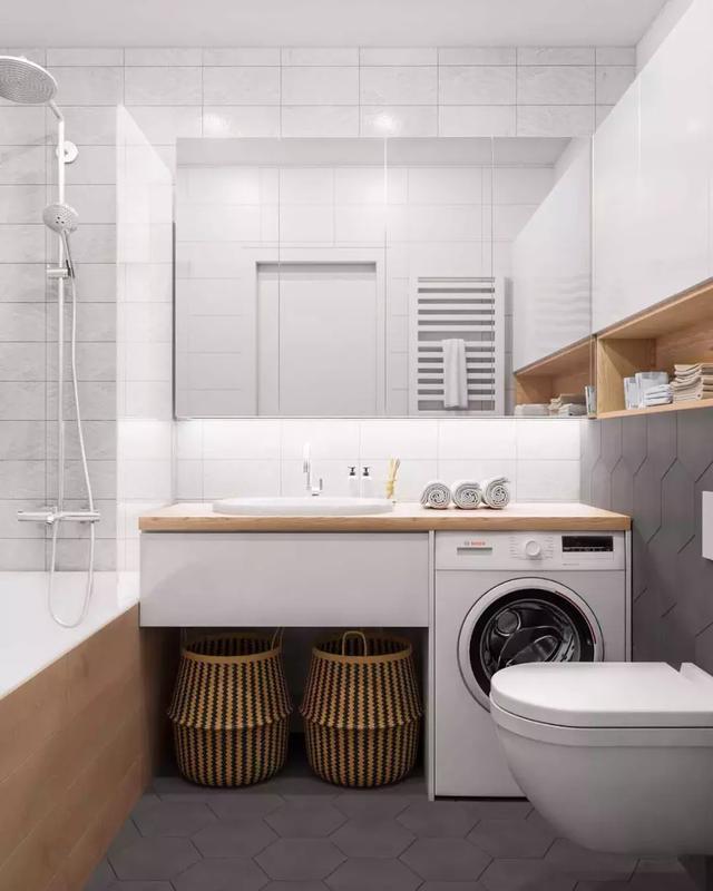 浴缸和淋浴房分开设计