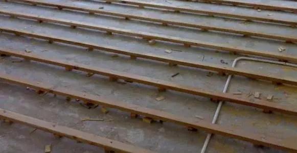 实木地板龙骨