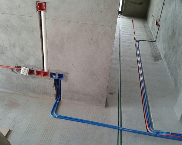 三,验收电路 在验收房子电路的时候,一定要注意配电箱是否贴有标志
