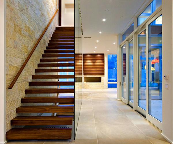 楼梯踏步用什么材料好