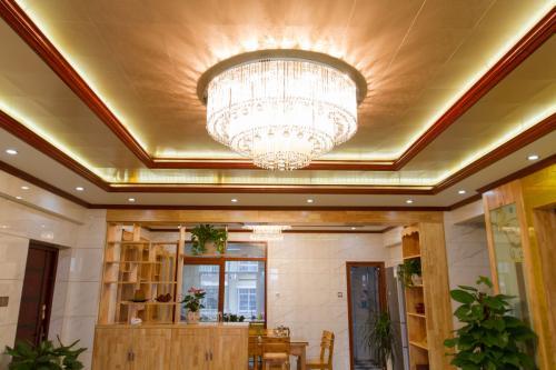 客厅装吊顶