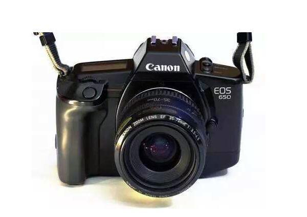 佳能相机哪款性价比高 索尼相机和佳能哪个好