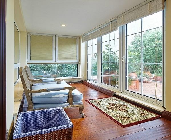 – 设计本装修效果图 阳台楼兰木纹瓷砖地面装修效果图 半封闭式阳台