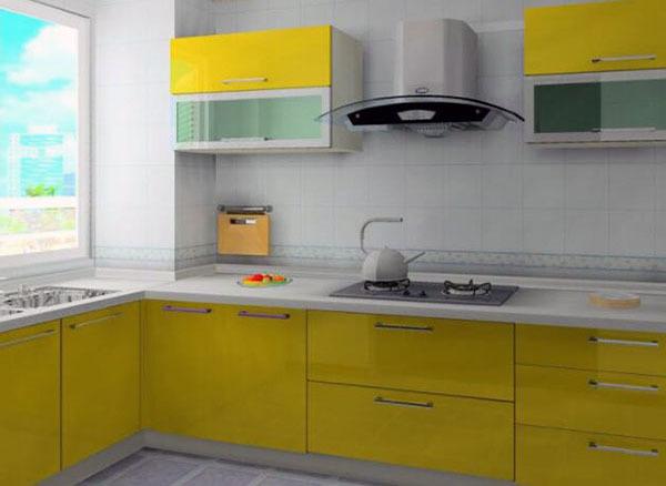 平米左右,假如我们选择国产品牌的整体厨房的话,并且装修档次比较高的