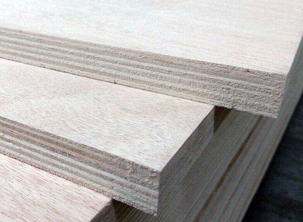 多层板和颗粒板哪个好