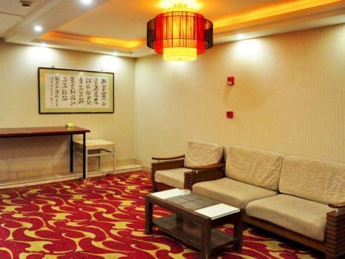 南京公寓装修北欧原木风格效果图