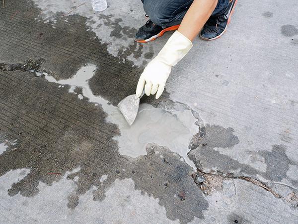 水泥地面开裂怎么修补