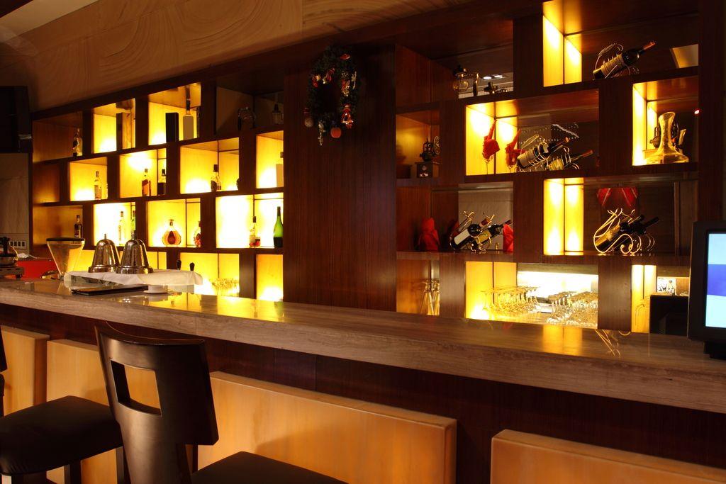 小型酒吧装修效果图