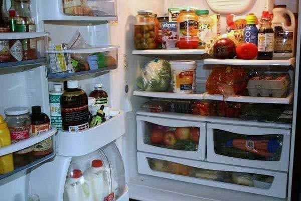 冰箱有臭味怎么办