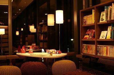 南京书店装修书架风格设计