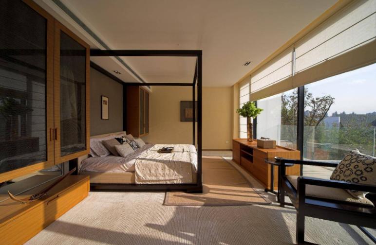 混搭风格别墅卧室飘窗卷帘装修设计