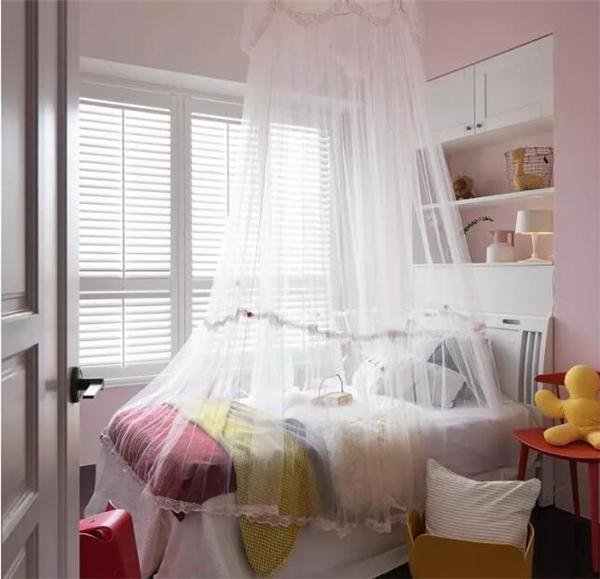 女宝宝的房间