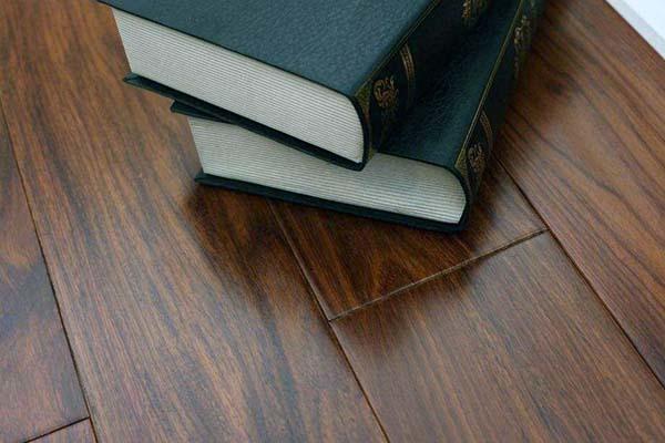 家里装修地板颜色搭配
